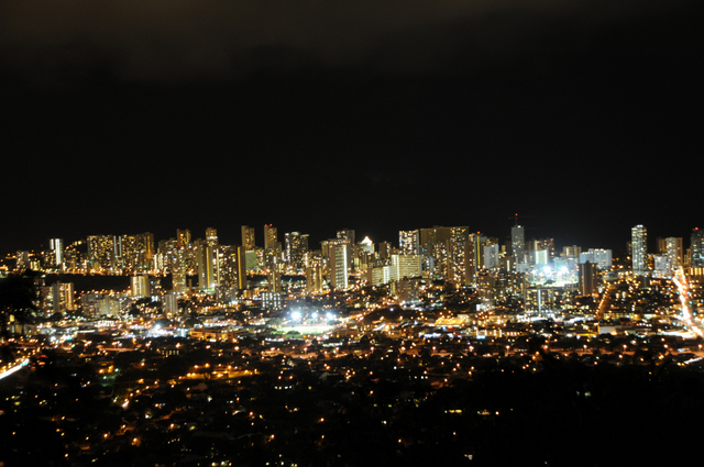 Honolulu_City_Lights