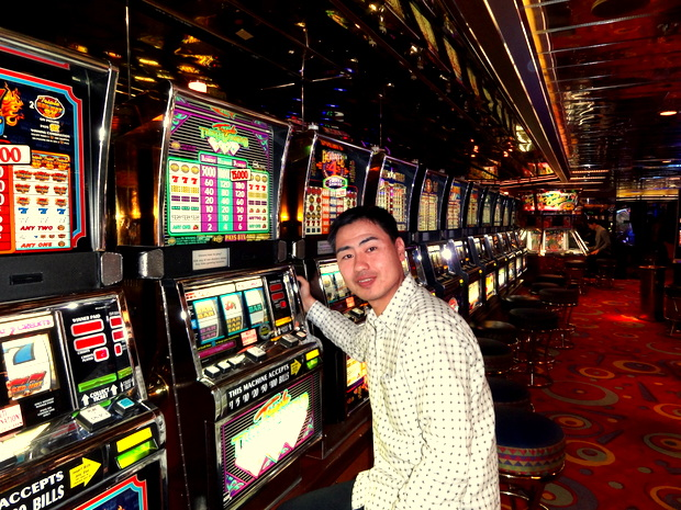 船内のカジノ